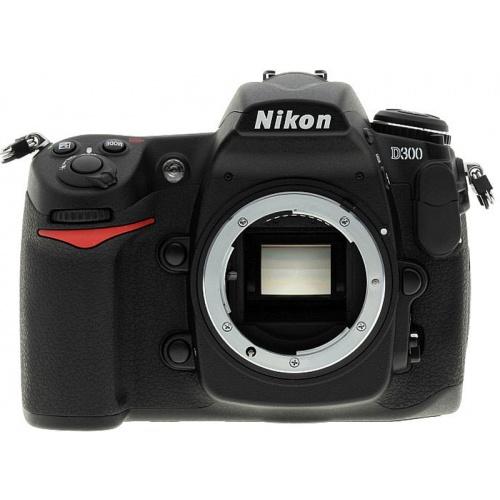 Nikon D300 (body)
