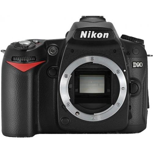 Nikon D90 (body)
